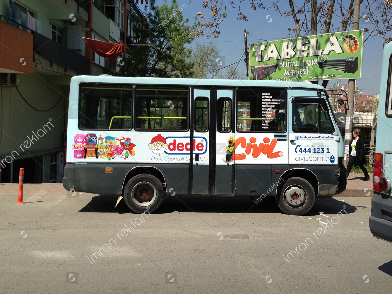 Minibus-Giydirme