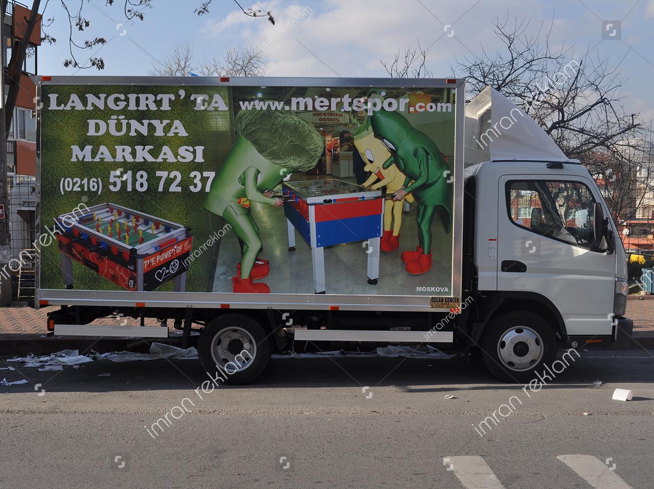kamyonet-uzerine-reklam-giydirme