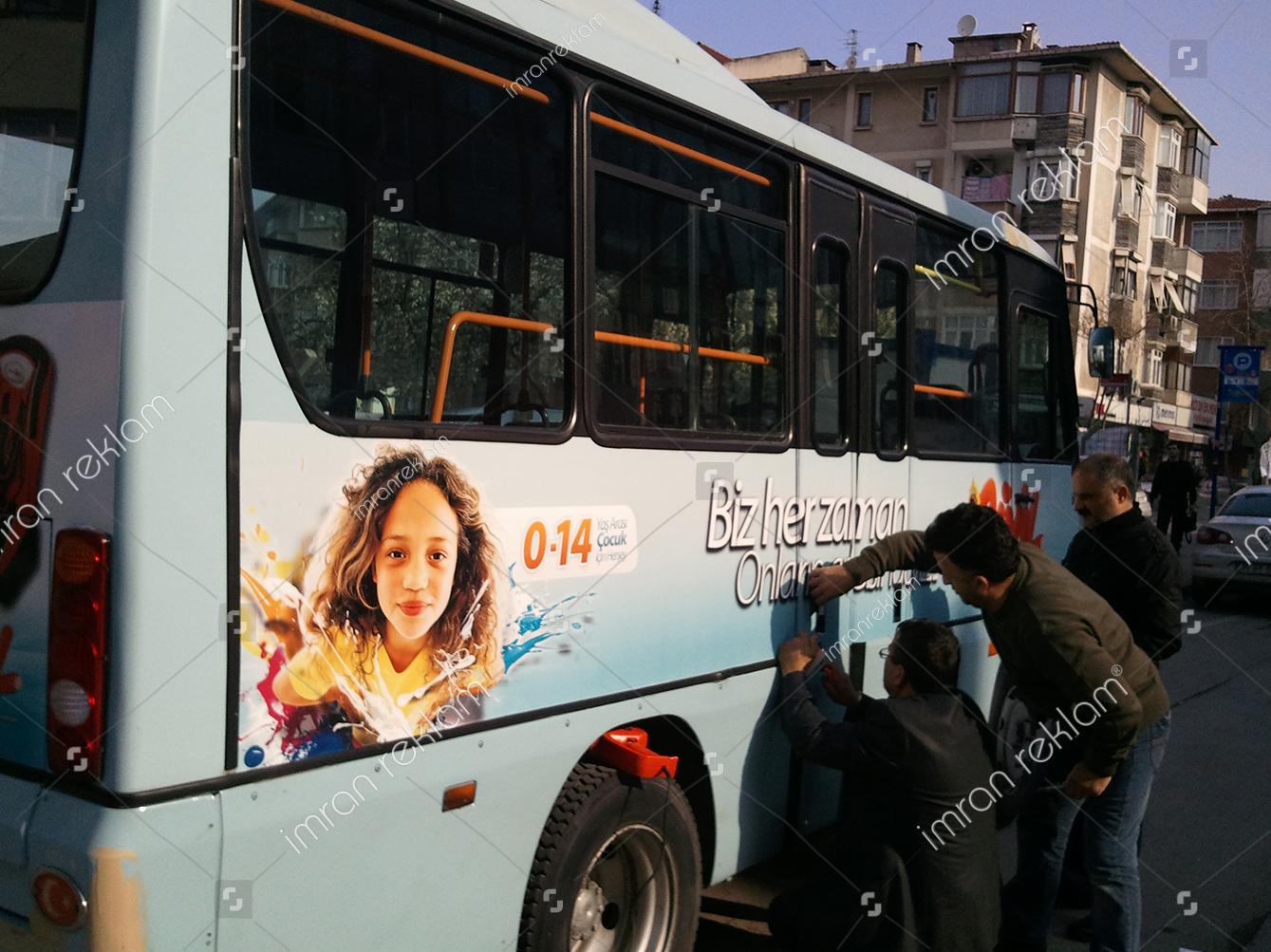minibus-reklam-kaplama-giydirme-arac-reklam-uygulama